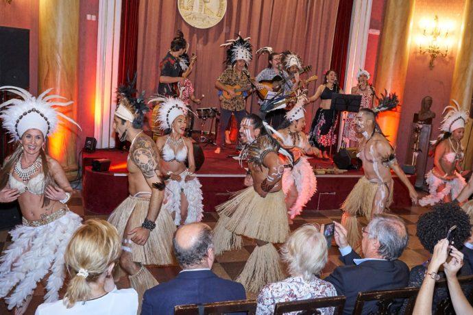 Mahia Rapa Nui se presenta en el Reial Cercle Artistic de Barcelona
